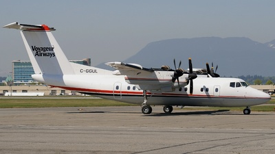 C-GGUL - De Havilland Canada DHC-7-102 Dash 7 - Voyageur Airways