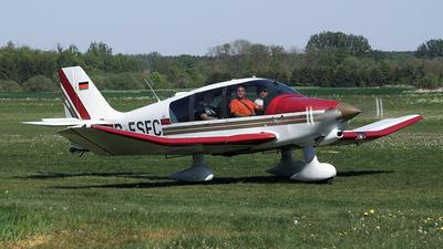 D-ESFC - Robin DR400/180R Remorqueur - Private