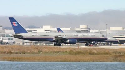 N580UA - Boeing 757-222 - United Airlines