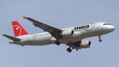 N335NW - Airbus A320-212 - Northwest Airlines