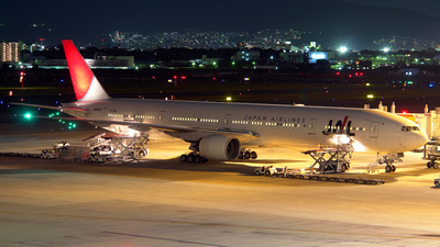 JA8943 - Boeing 777-346 - Japan Airlines (JAL)