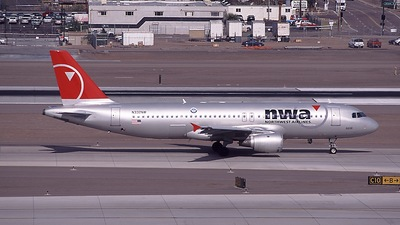 N332NW - Airbus A320-211 - Northwest Airlines