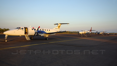 VH-EMK - Beech 1900C - Vincent Aviation