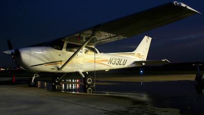 A picture of N33LU - Cessna 172R Skyhawk - [17281264] - © Justin Sutton