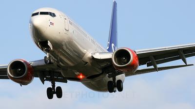 LN-RRU - Boeing 737-883 - SAS Norge