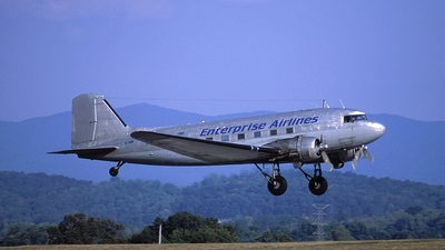 C-FOOW - Douglas DC-3C - Enterprise Airlines