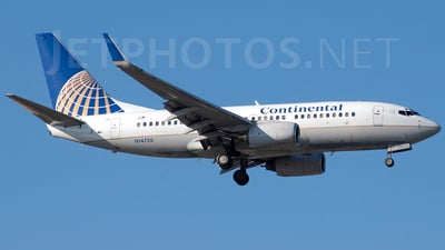 N14735 - Boeing 737-724 - Continental Airlines