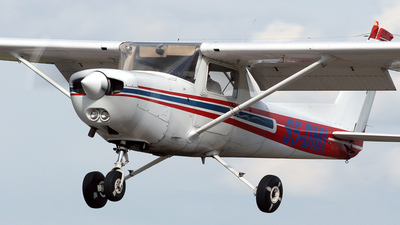 S5-DMI - Cessna 152 - Private