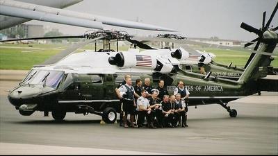 - Sikorsky VH-60N White Hawk - United States - US Marine Corps (USMC)