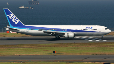 JA8567 - Boeing 767-381 - All Nippon Airways (ANA)