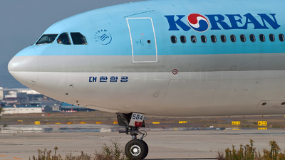 HL7584 - Airbus A330-323 - Korean Air