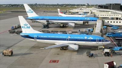 PH-BDA - Boeing 737-306 - KLM Royal Dutch Airlines