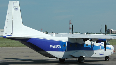 A picture of N495CS -  - [195] - © Andrew Riedel - YYC Airport Watch
