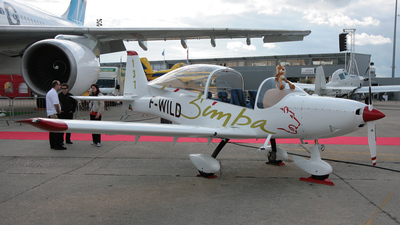 A picture of FWILD - Issoire Aviation APM 40 Simba - [01] - © Patrice TAPPA