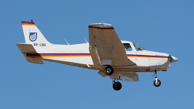 VH-LOU - Piper PA-28-161 Warrior II - University of South Australia