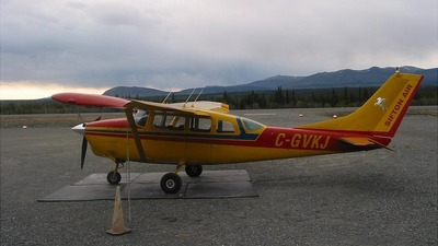 A picture of CGVKJ - Cessna 205 - [2050092] - © Andrew Flynn