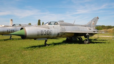 0306 - Mikoyan-Gurevich MiG-21PF Fishbed - Czechoslovakia - Air Force