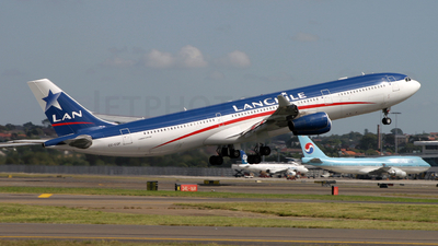 CC-CQF - Airbus A340-313X - LAN Airlines