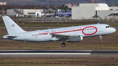 F-WWDB - Airbus A320-232 - Germany - DLR Flugbetriebe
