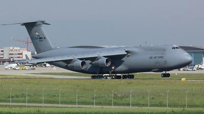 87-0028 - Lockheed C-5B Galaxy - United States - US Air Force (USAF)