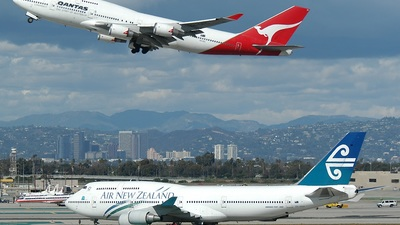 VH-OEC - Boeing 747-4H6 - Qantas