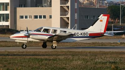 EC-KBD - Piper PA-34-220T Seneca III - Private