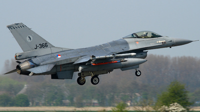 A picture of J366 -  - [] - © Aw Stam