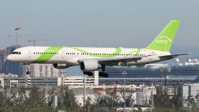 N6707A - Boeing 757-232 - Song