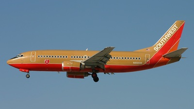 N332SW - Boeing 737-3H4 - Southwest Airlines