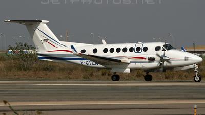 F-GTEM - Beechcraft B300 King Air 350 - Oyonnair