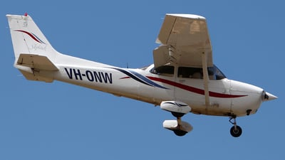 A picture of VHONW - Cessna 172R Skyhawk - [17280703] - © Kim Vanvik