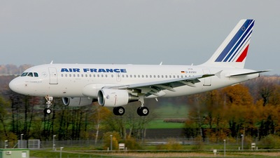 A picture of DAVWV - Airbus A319 - Airbus - © SF 340