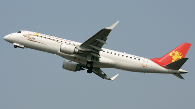 B-3122 - Embraer 190-100IGW - Grand China Express