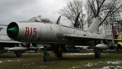 815 - Sukhoi Su-7BKL Fitter A - Poland - Air Force