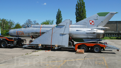 9334 - Mikoyan-Gurevich MiG-21 Fishbed - Poland - Air Force