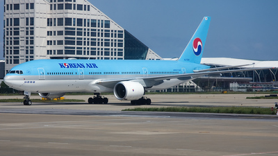 HL7526 - Boeing 777-2B5(ER) - Korean Air