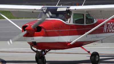 A picture of N78253 - Cessna 172K Skyhawk - [17257546] - © Bruce Leibowitz