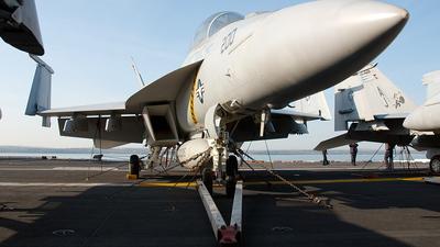 166663 - Boeing F/A-18F Super Hornet - United States - US Navy (USN)