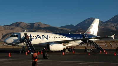 CC-CPX - Airbus A319-132 - LAN Airlines