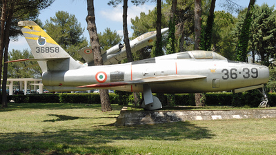 MM53-6858 - Republic F-84F Thunderstreak - Italy - Air Force