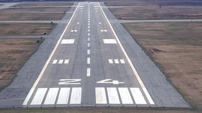 KMVY - Airport - Runway