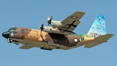 64144 - Lockheed L-100 Hercules - Pakistan - Air Force