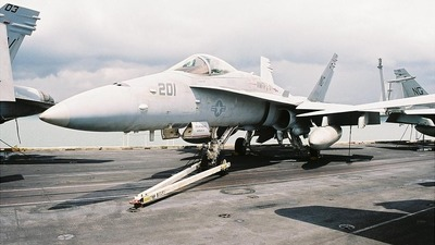 165190 - McDonnell Douglas F/A-18C Hornet - United States - US Navy (USN)