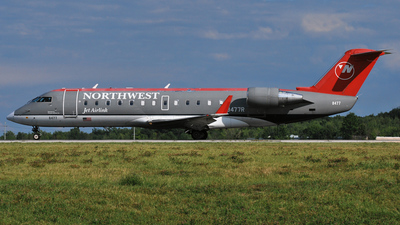 A picture of N8477R - Mitsubishi CRJ200LR - SkyWest Airlines - © DJ Reed - OPShots Photo Team