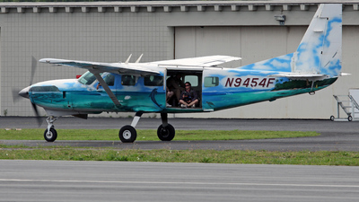A picture of N9454F - Cessna 208 Caravan - [20800028] - © Brian T Richards