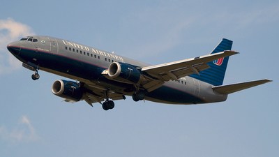 N312UA - Boeing 737-322 - United Airlines
