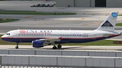 N262AV - Airbus A320-214 - USA 3000
