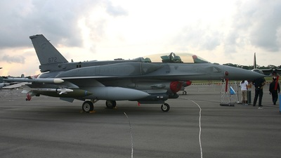 672 - Lockheed Martin F-16D+ Fighting Falcon - Singapore - Air Force