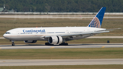 N57016 - Boeing 777-224(ER) - Continental Airlines