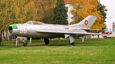 96 - Mikoyan-Gurevich MiG-19 Farmer - Bulgaria - Air Force